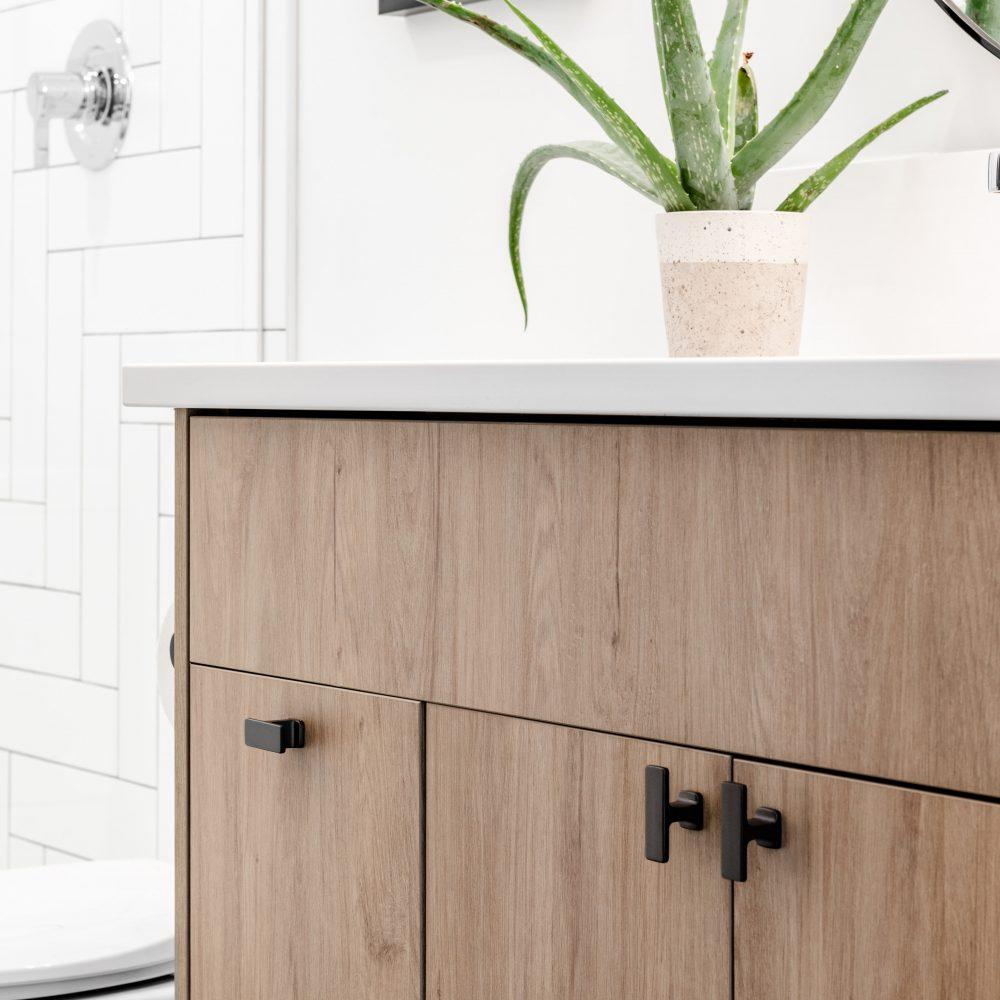 Cabico Custom Cabinets - Projet salle de bain The Lookout - vue du côté gauche