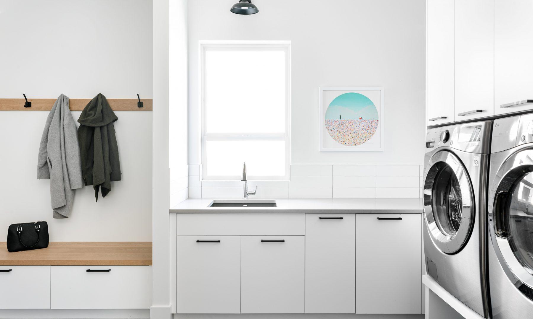Cabico Custom Cabinets - Projet salle de lavage The Lookout - vue de côté