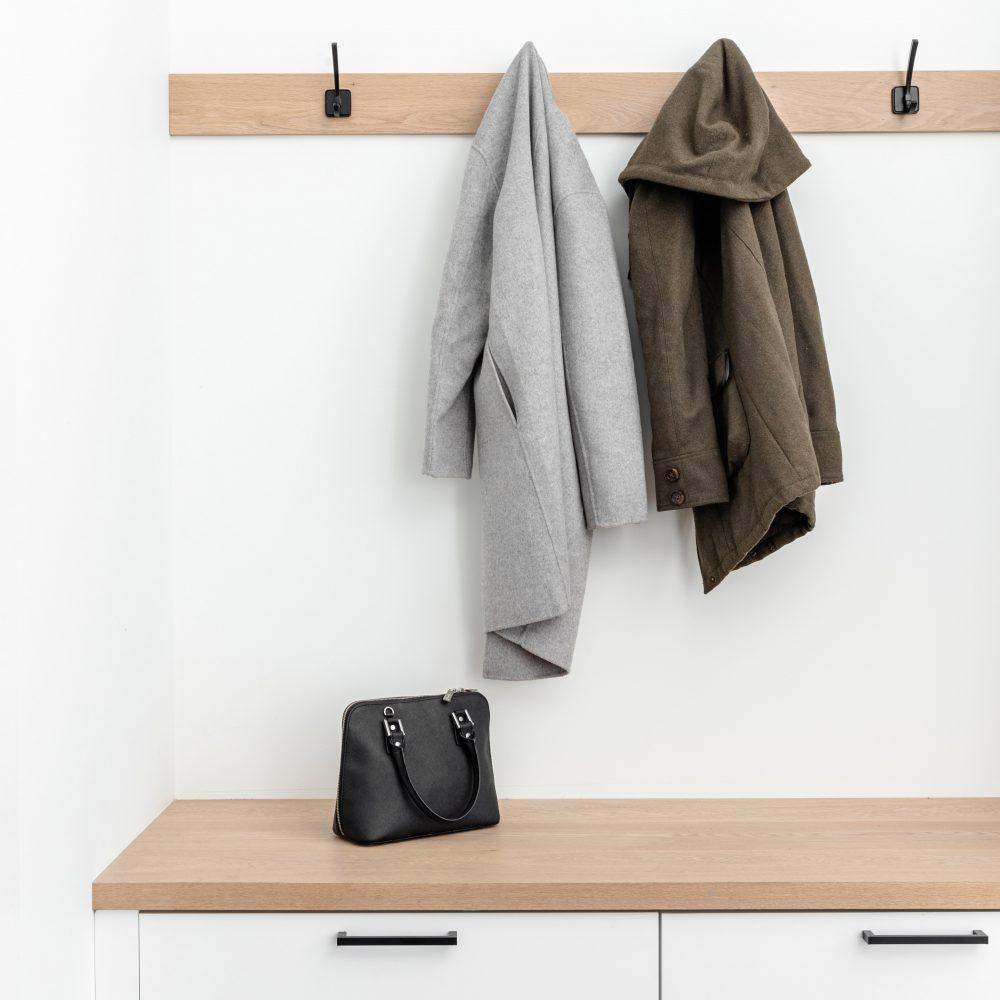 Cabico Custom Cabinets - Projet salle de lavage The Lookout - vue sur le vestiaire