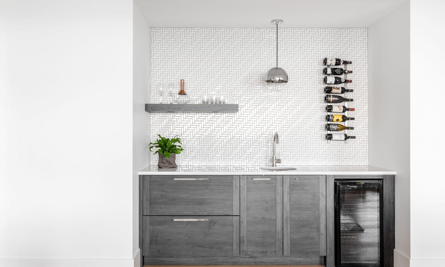 Cabico Custom Cabinets - Projet bar The Lookout - vue d'ensemble