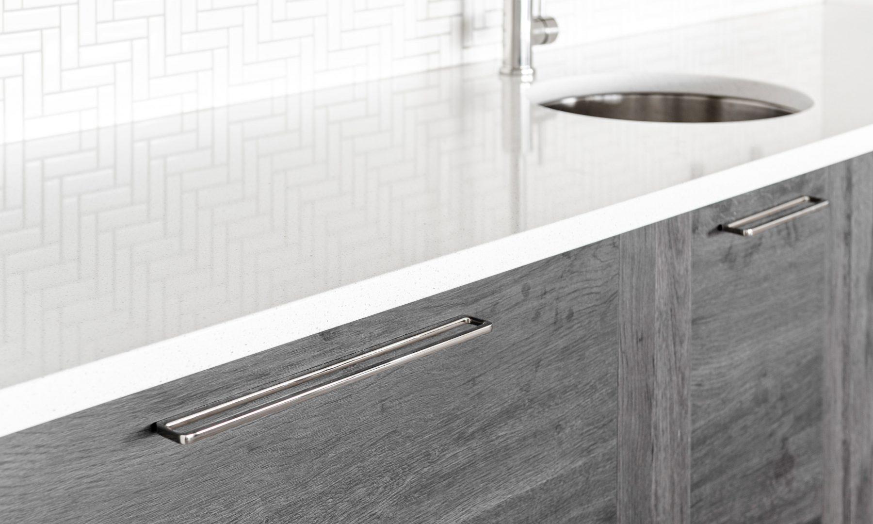 Cabico Custom Cabinets - Projet bar The Lookout - vue du côté droit
