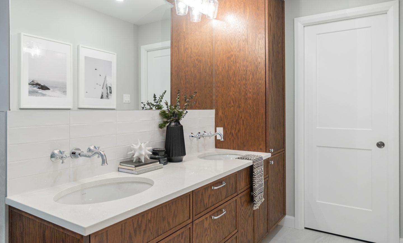 Cabico Custom Cabinets - Projet salle de bain Farmhouse - vue d'ensemble