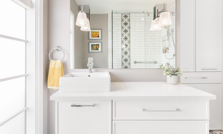 Cabico Custom Cabinets - Projet salle de bain Cedar Hill - vue d'ensemble