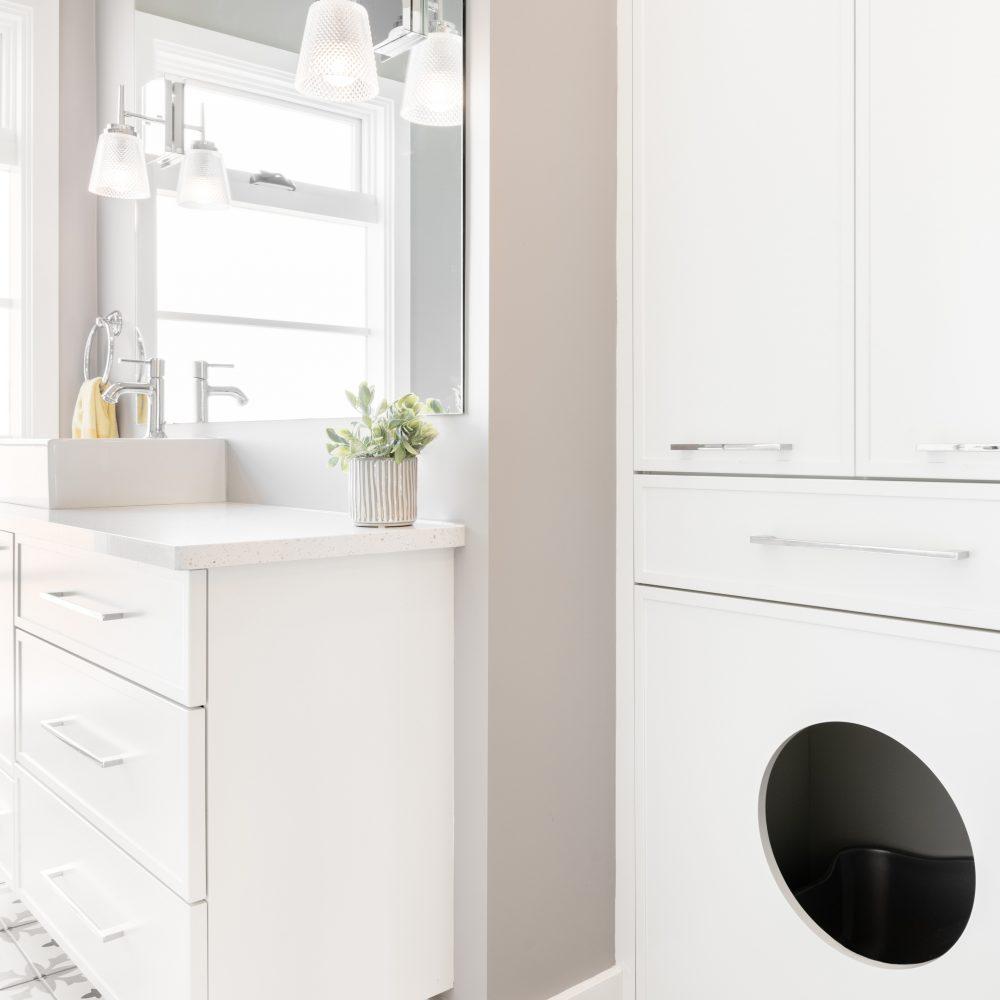 Cabico Custom Cabinets - Projet salle de bain Cedar Hill - Espace pour la litière