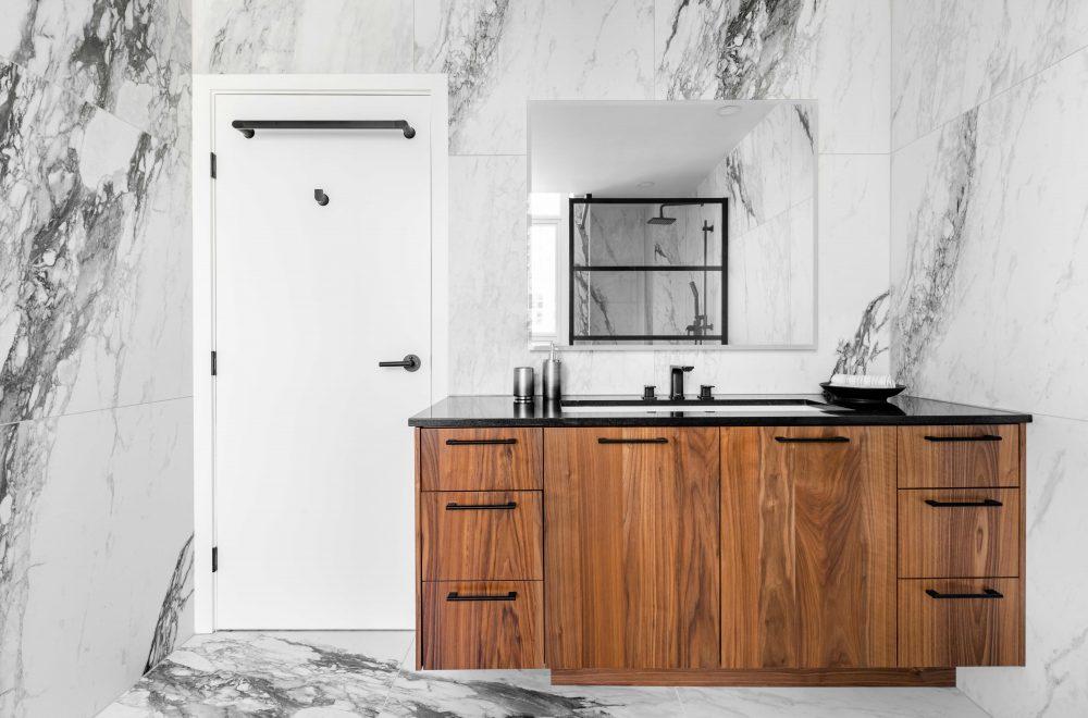 Cabico Custom Cabinets - Projet salle de bain Drake - vue d'ensemble