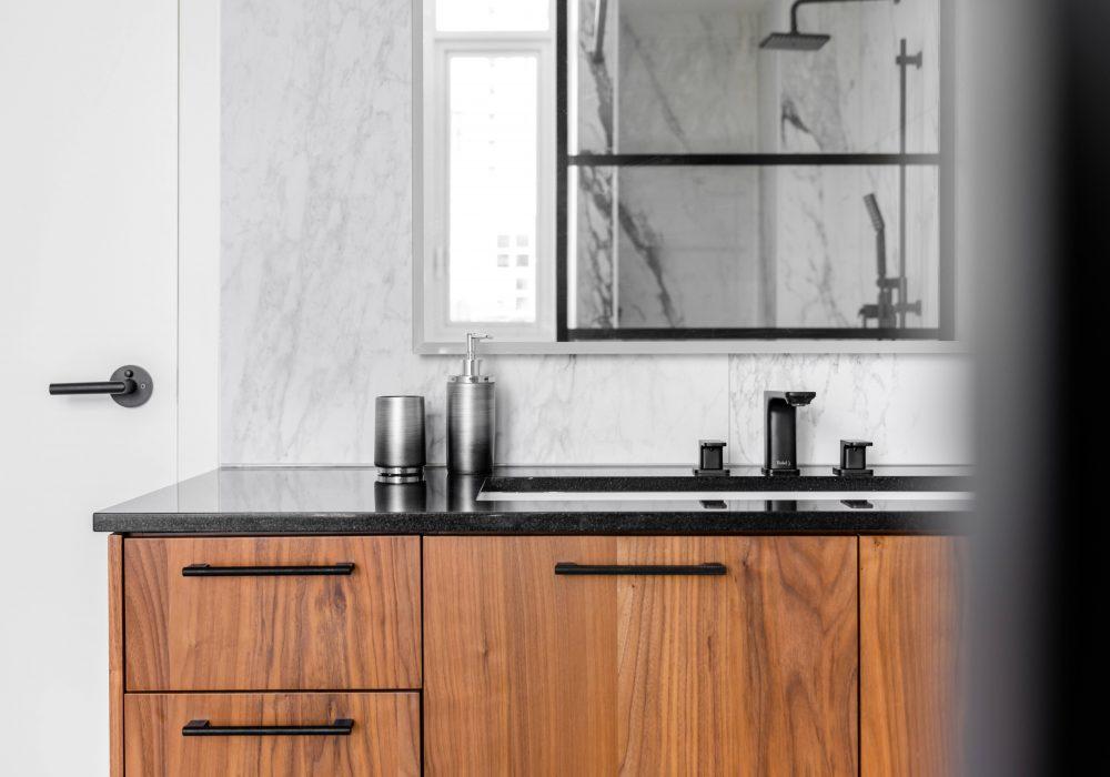 Cabico Custom Cabinets - Projet salle de bain Drake - vue du haut des cabinets
