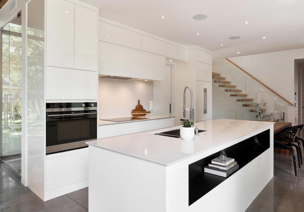Cabico Custom Cabinets - Projet cuisine White Oasis - vue avec îlot