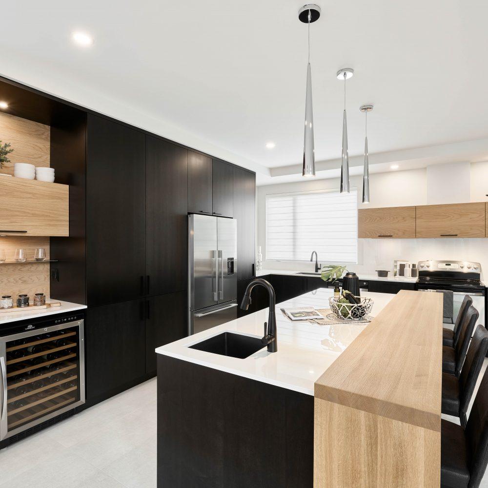 Cabico Custom Cabinets - Projet cuisine Barcelona - vue en angle sur l'ensemble de la cuisine