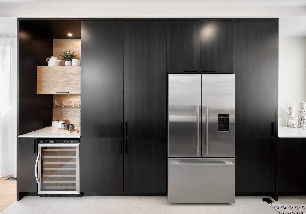 Cabico Custom Cabinets - Projet cuisine Barcelona - vue sur les armoires en chêne