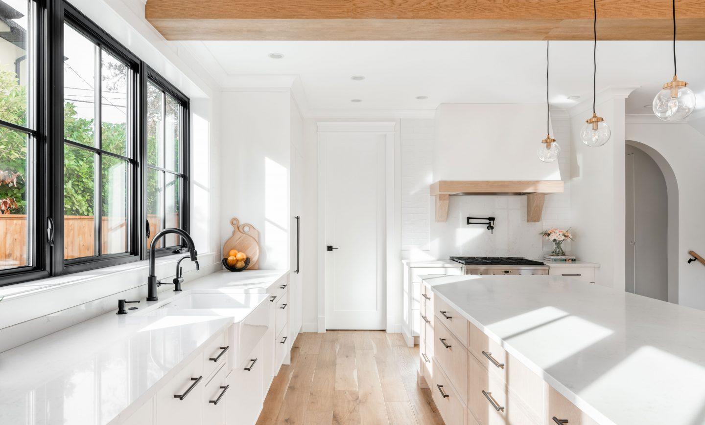 Cabico Custom Cabinets - Projet cuisine Oak Bay Village - vue d'ensemble