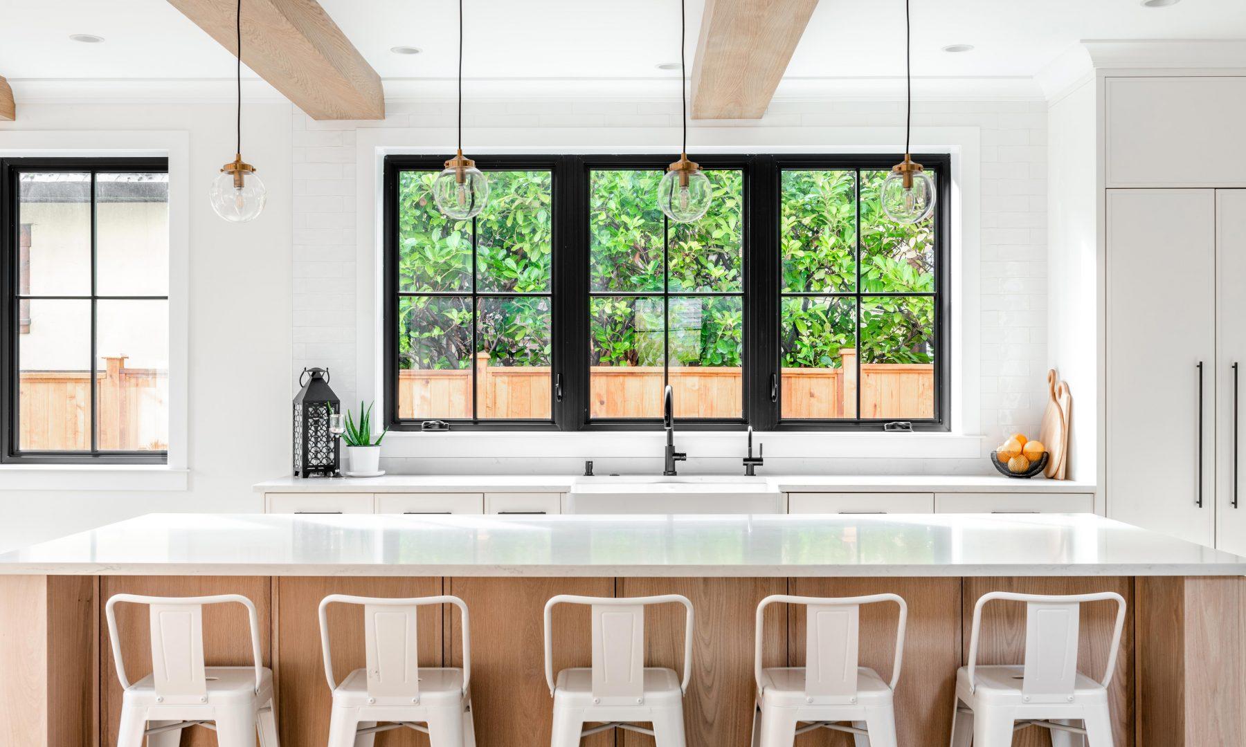 Cabico Custom Cabinets - Projet cuisine Oak Bay Village - vue de l'îlot