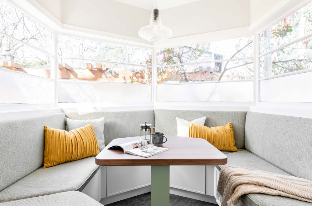 Cabico Custom Cabinets - Projet banquette Willows Beach - vue d'ensemble