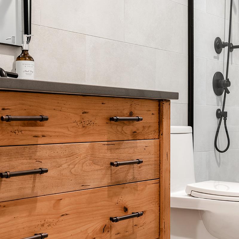elmwood-home-bathroom